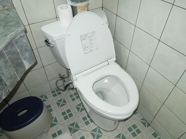 オシュレット付きトイレ
