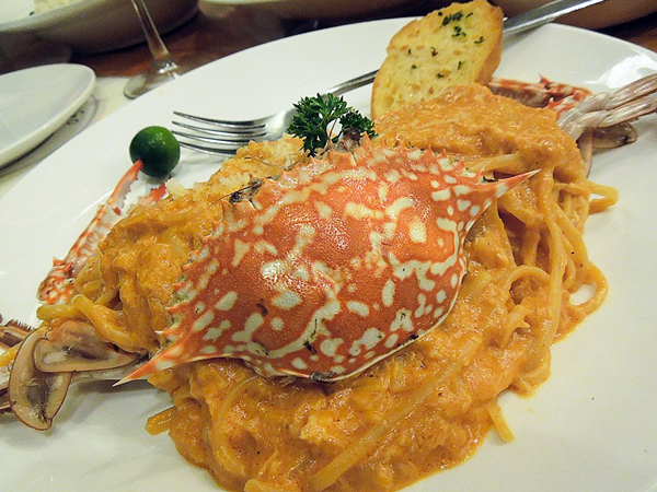 セブ 蟹パスタ