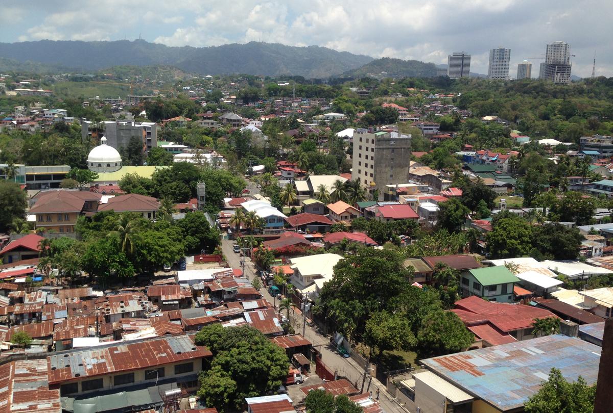 フィリピンは英語が出来たから発展しなかった。言語バリアがないから自国産業が大きくならない。