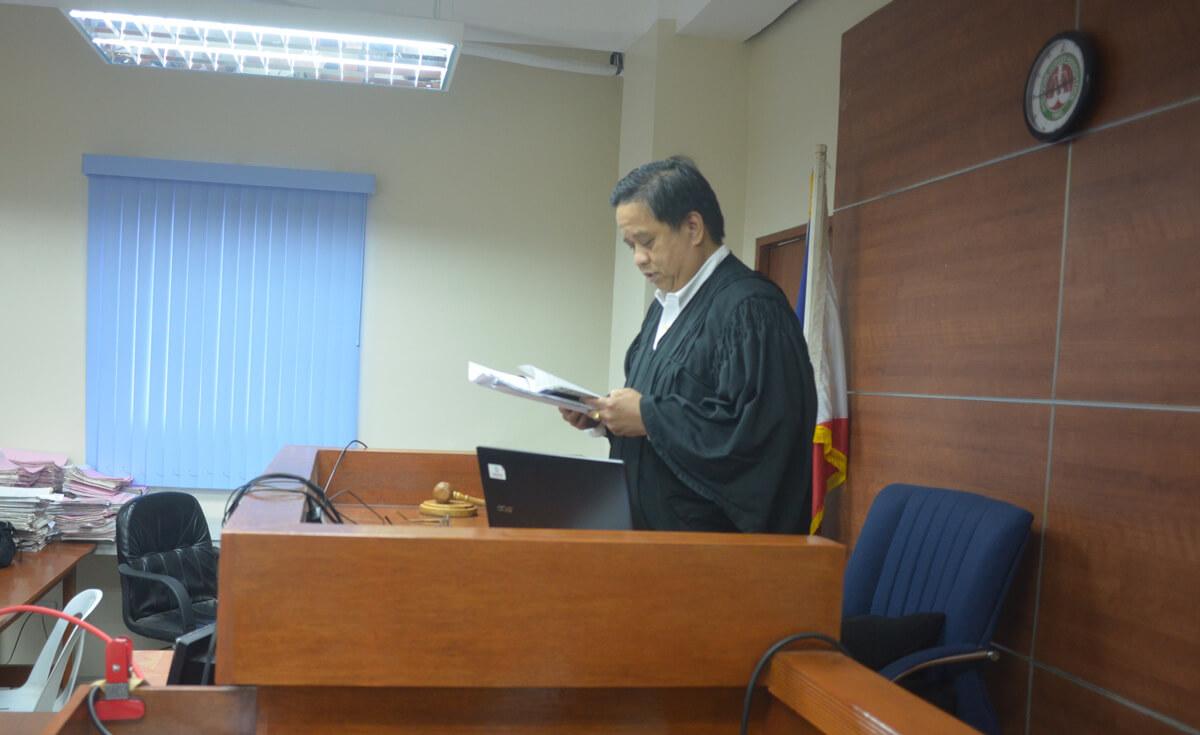 裁判官結婚式
