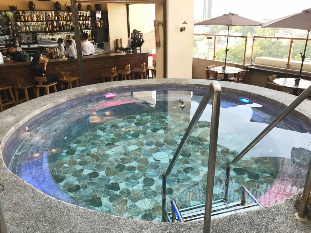 セブ島ローカルエリアNo1ホテル「パームグラスホテル」